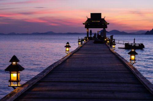 夕暮れの桟橋