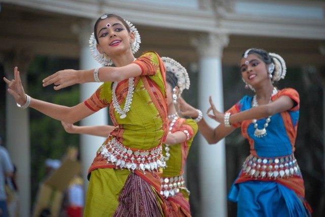民族ダンス